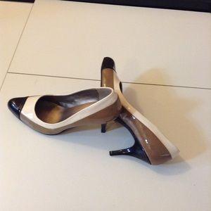 Great neutral beautiful heel